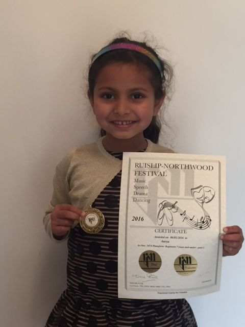 Image of Aarya from Pinner with her certificate